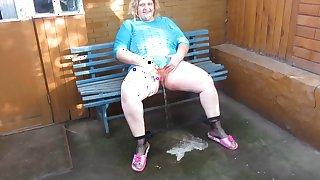 Thick Russian girl pees sitting -cut