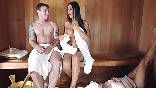Hot sauna gets mommy to do nasty things with her mouth