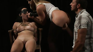 Blonde asks hot guy to insert