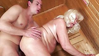 Blonde finds her soft hands fucked over