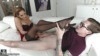 Petite babe in stockings gets her feet fucked