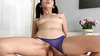 Well-endowed vixen Renato takes dream cumshot on her face