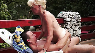 Blonde cant wait to be fucked in