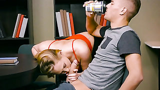 Xander Corvus stretches attractive Carter Cruises mouth with